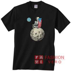 Astronaut in Moon seeing The World Unisex adult T shirt